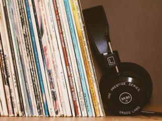 best 200 headphones